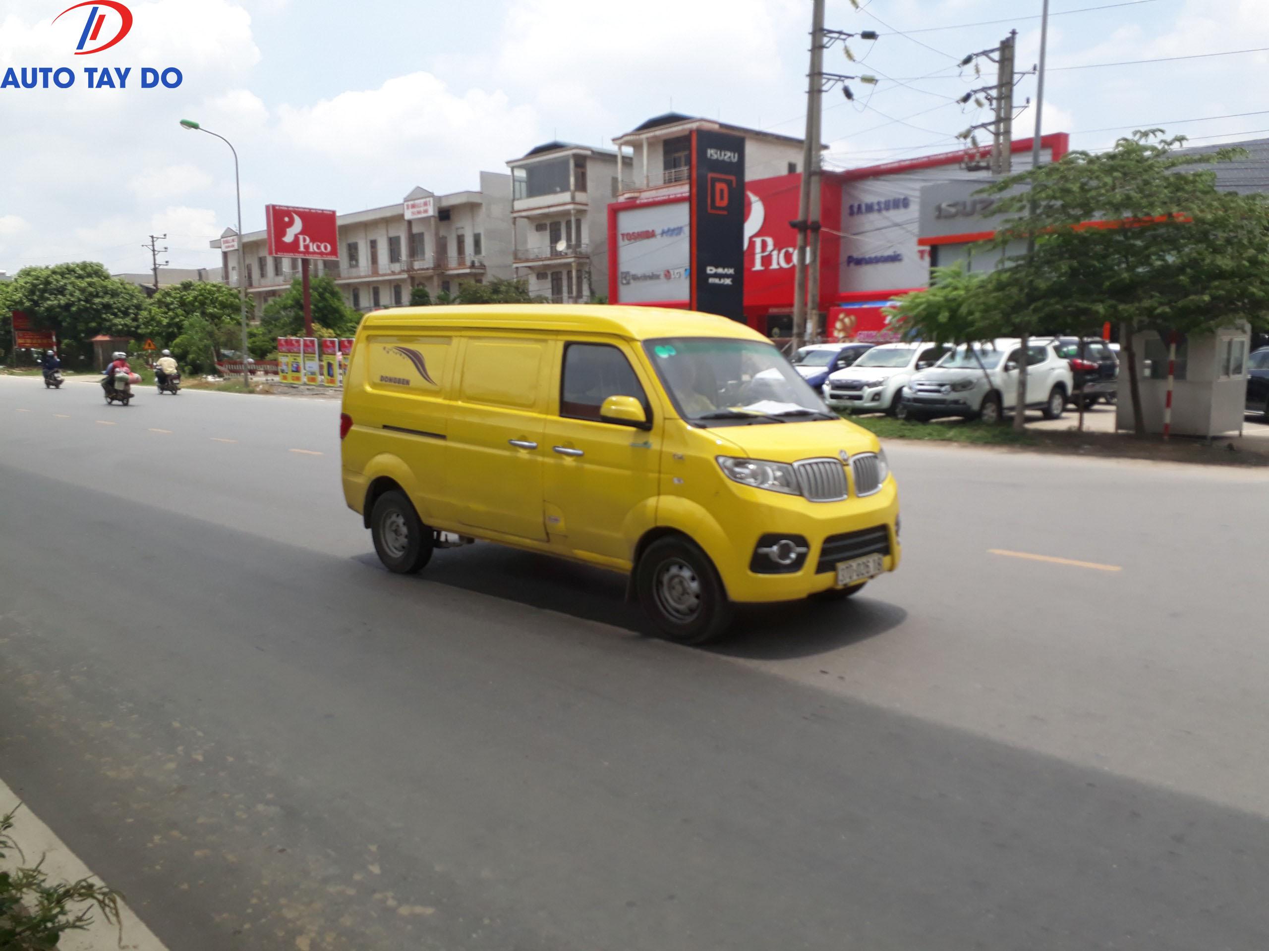 Xe dongben X30 màu vàng